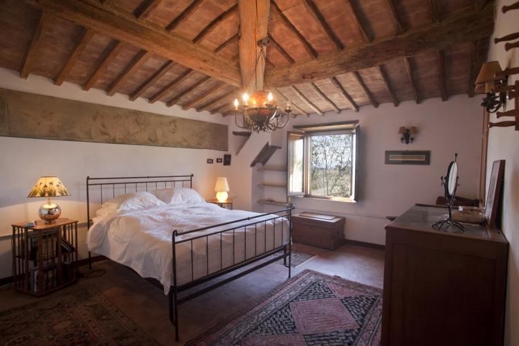 mandorlo master bedroom